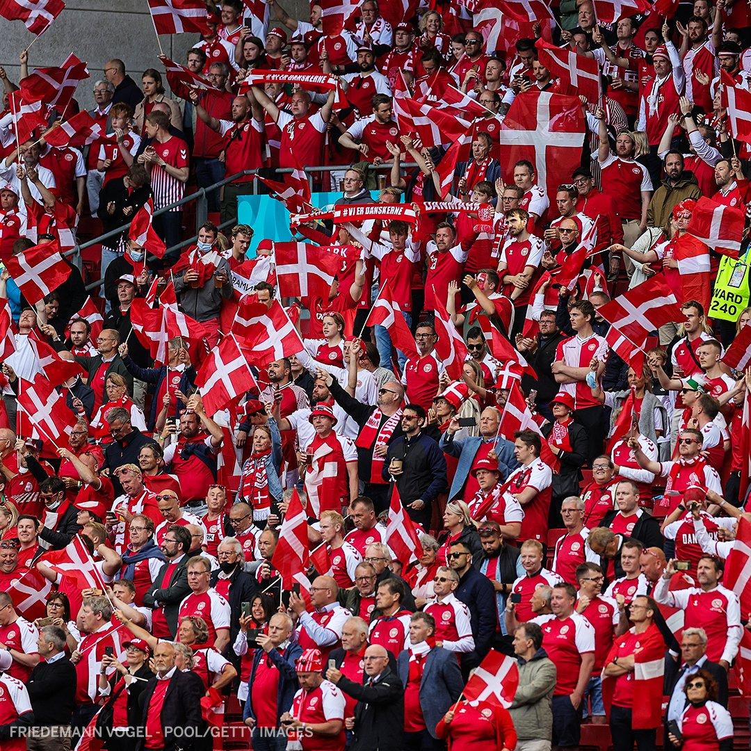 The atmosphere at Denmark vs. Finland >>>   #EURO2020 https://t.co/bvTiNVXn9e