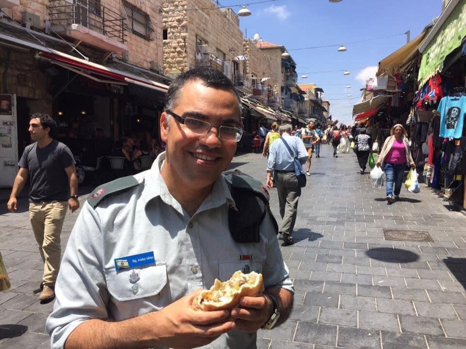اليوم هو اليوم العالمي للفلافل والتي تعد وجبة مفضلة عند أكثرية الإسرائيليين وكيف لا؟ وهي وجبة إسرائيلية