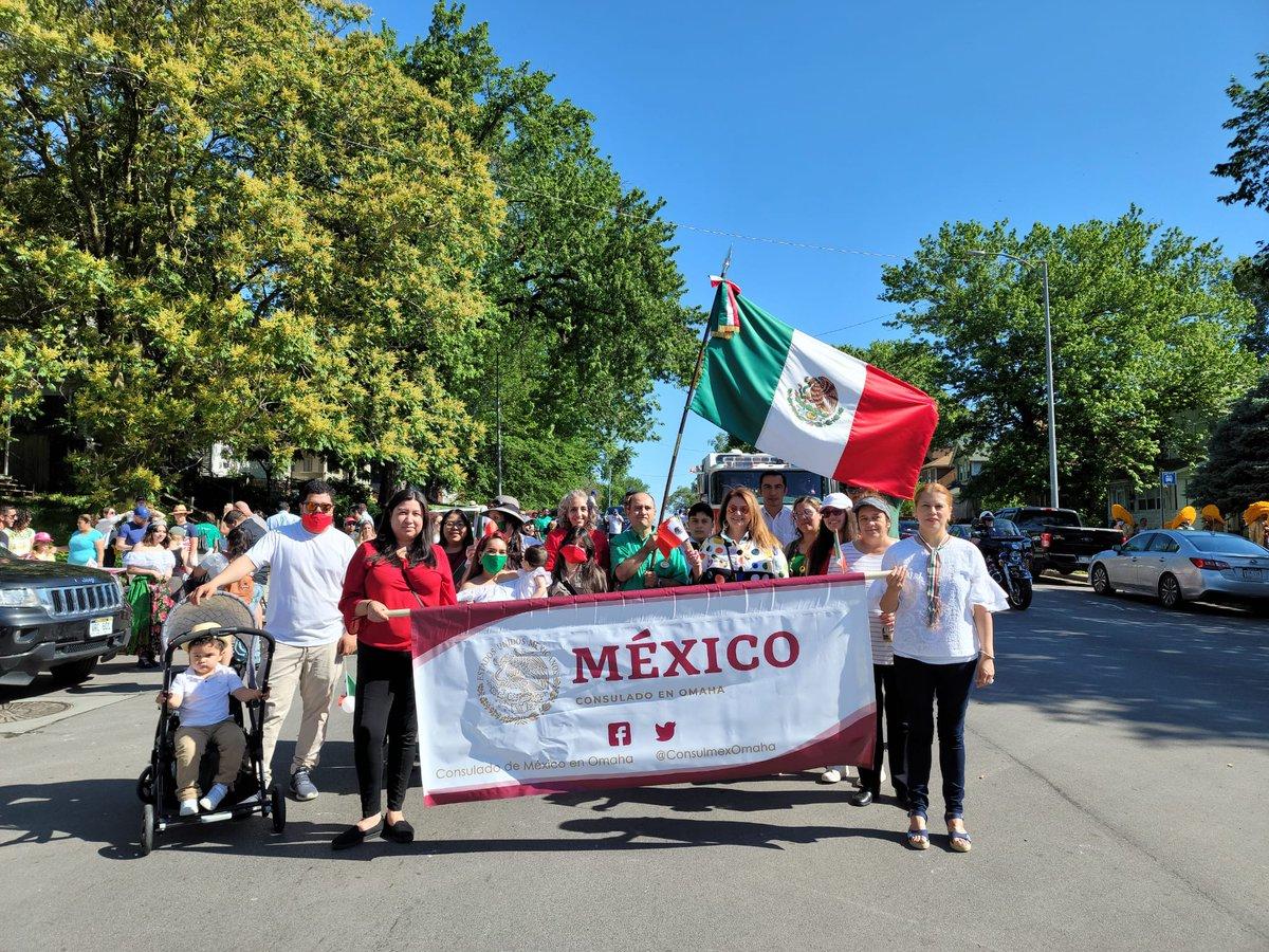 Participación de @ConsulmexOmaha en las festividades alusivas al #CincodeMayo, fecha histórica en la que México se cubrió de gloria al derrotar al ejército francés en la #BatalladePuebla en 1862. @SANCHEZSALAZAR1 @IME_SRE https://t.co/yBfYxEFKzj