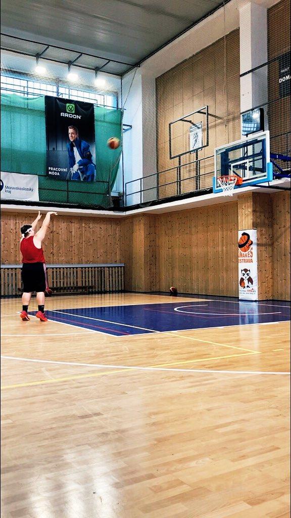 Doing what I love!😎💪🏀 #basketball #sport #HeatTwitter #practice #Dedication #hardworkpaysoff #beastfromtheeast https://t.co/blFusPOkM8