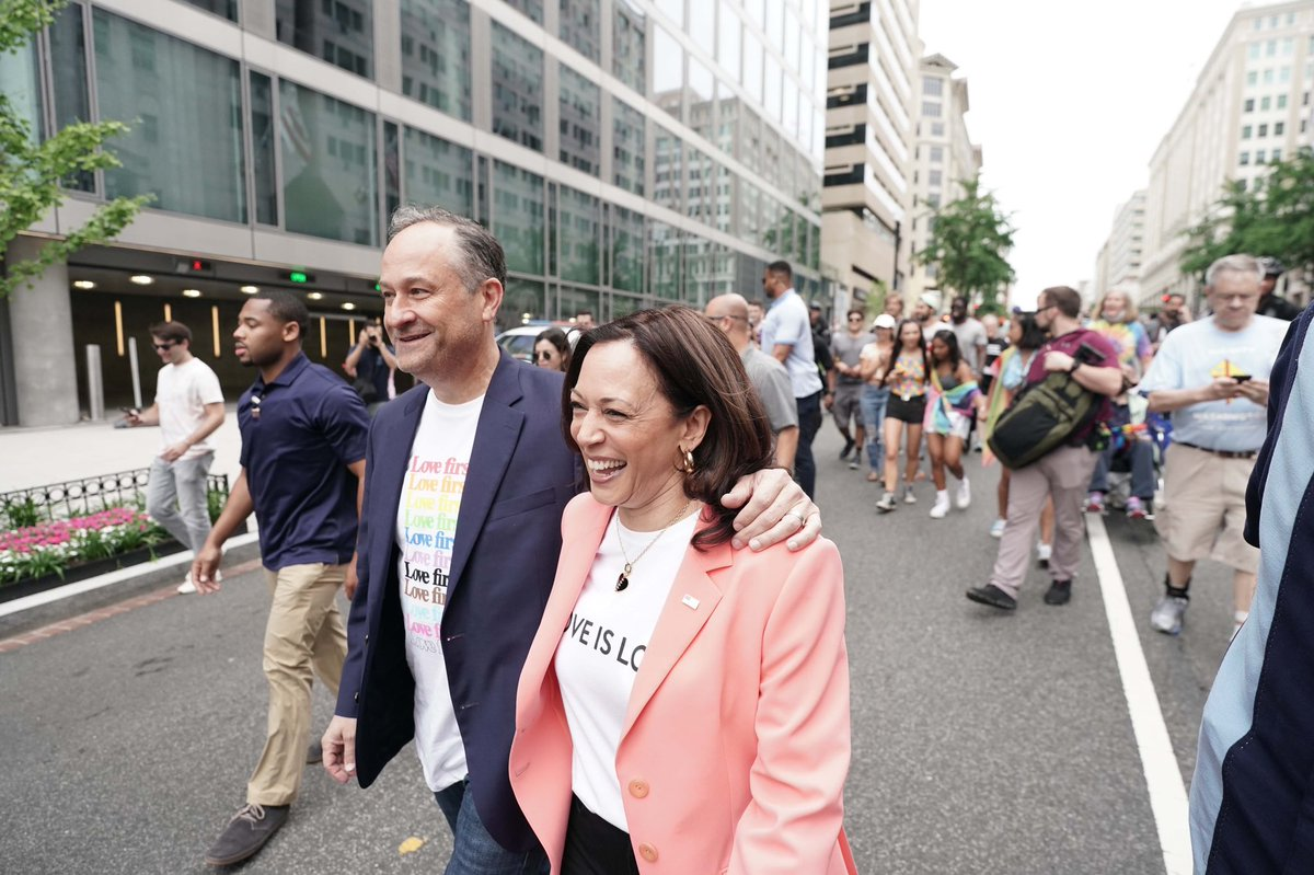 The @SecondGentleman and I stopped by Capital Pride today! https://t.co/vjx1k9DD5z