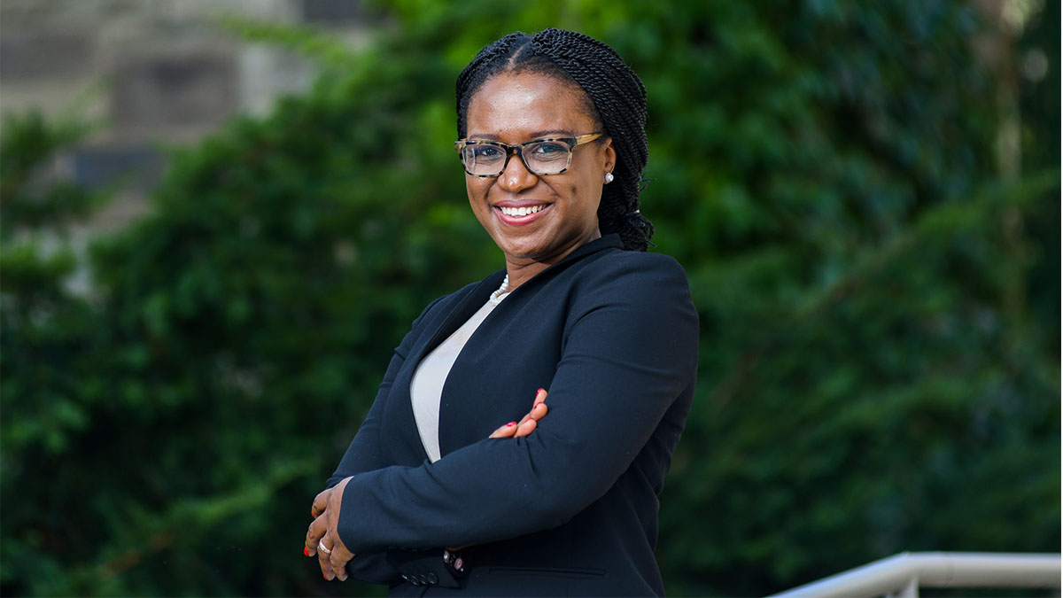 Congratulations to @unc_law's Ifeoma Ajunwa on receiving the prestigious Fulbright U.S. Scholar Award! The #UNC associate professor plans to research how U.S. and Nigerian laws affect startup technology companies: https://t.co/hV3i4EVJMe https://t.co/NtmTFLy3Xa
