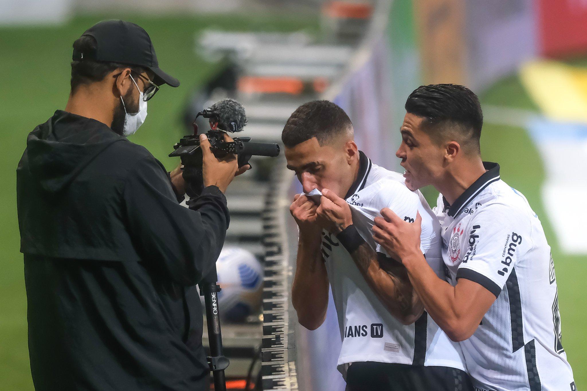 Confira a tabela atualizada do Brasileirão após o empate do Corinthians com o Palmeiras no Dérbi