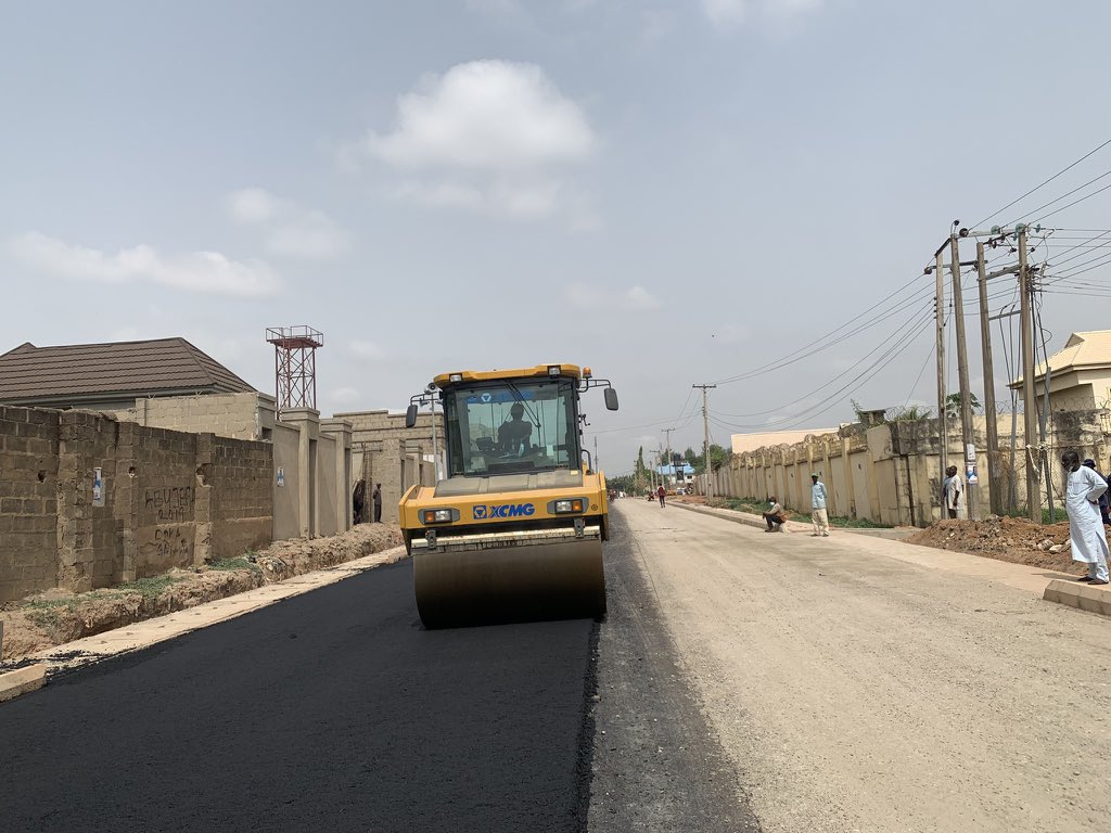 Good morning Kaduna ☀️ To our weekend visitors, The following roads are under construction. Make a detour or drive with caution for your safety. 🚧 Rabah rd Isa Kaita rd Polytechnic rd Namagira rd Aliyu Makama rd Pan drive Leventis Underpass Kinsasha rd #KadunaUrbanRenewal🏗🌆