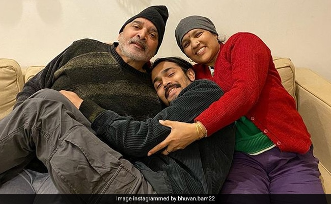 In Emotional Note, YouTuber Bhuvan Bam Mourns Loss Of Parents To Covid https://t.co/4NYzfeeI5K https://t.co/DWioXIhXgw