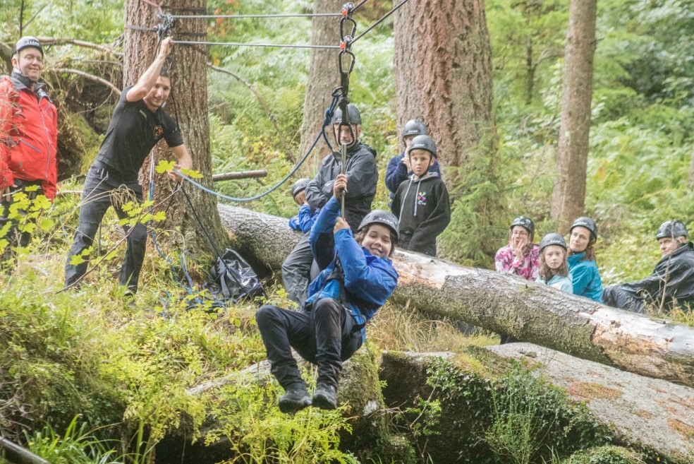 Sundays have never been this great!! 😃  Family Adventure 'self-rescue' day and dynamic activities. It's what we do and love and share 💁❤️  #BearGryllsSurvivalAcademy #BearGrylls #SundayFunday #BGSACourses #FamilyAdventures #SelfRescue #JoinTheFun #NeverGiveUp https://t.co/I5Agca7eBM
