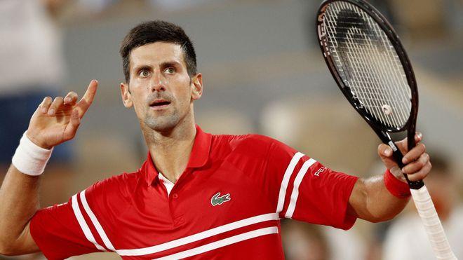 Conoce al niño que recibió la raqueta de Novak Djokovic tras la final de Roland Garros