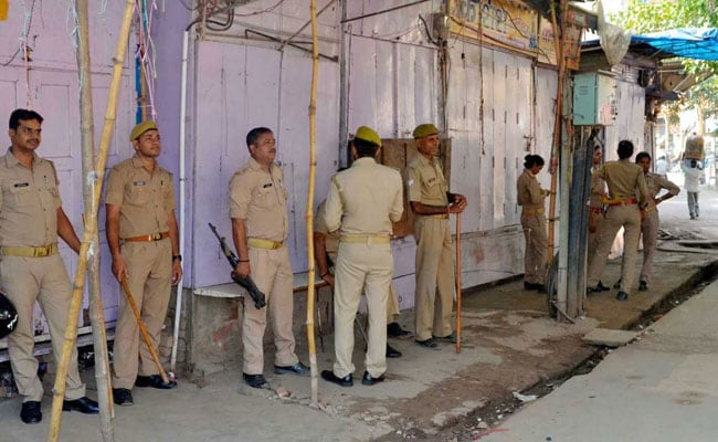 Ghaziabad Couple Strangled To Death By Son Fretting Over Property https://t.co/MzBe9XDuYd https://t.co/fVB010Qrby