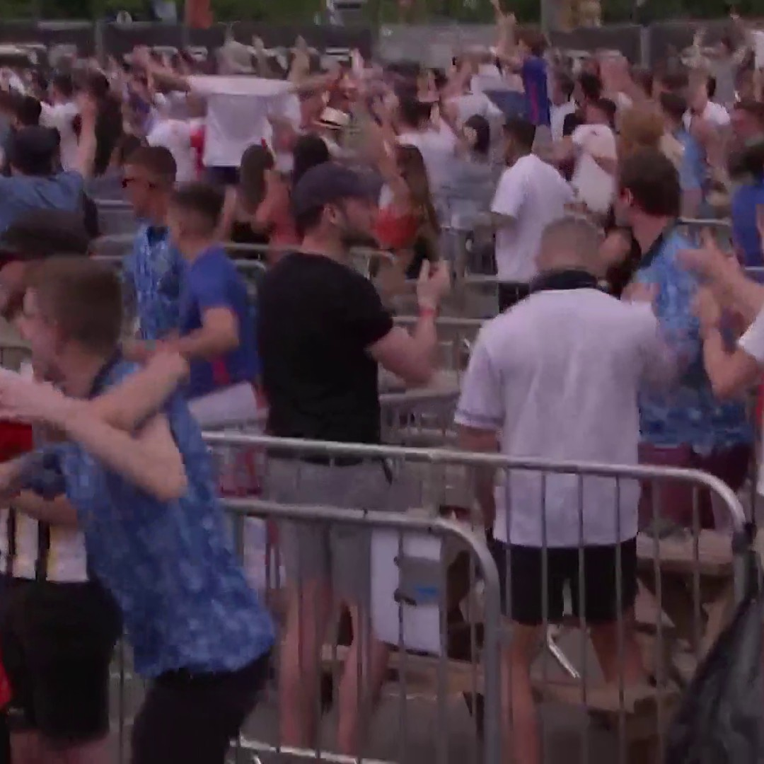 Drinks in the air! 🍻🥳  Here's how #ENG fans reacted to Raheem Sterling's opener in fanzones around the country... https://t.co/2kzmCX3yEJ