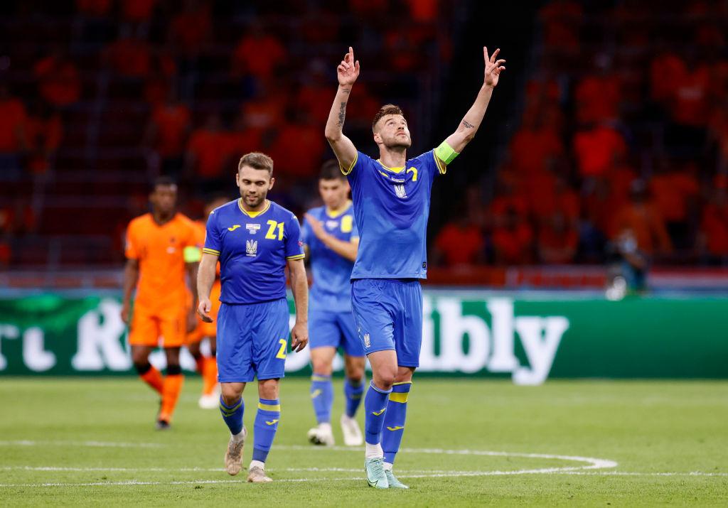 "BettingOdds on Twitter: ""- 52': Wijnaldum - 58': Weghorst - 75': Yarmolenko - 79': Yaremchuk Ukraine have clawed their way back from 2-0 down to make it 2-2 against the Netherlands. Game"