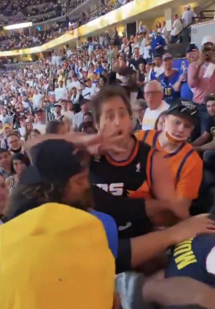 No one:  Suns fans: https://t.co/6vYyUt1kHz