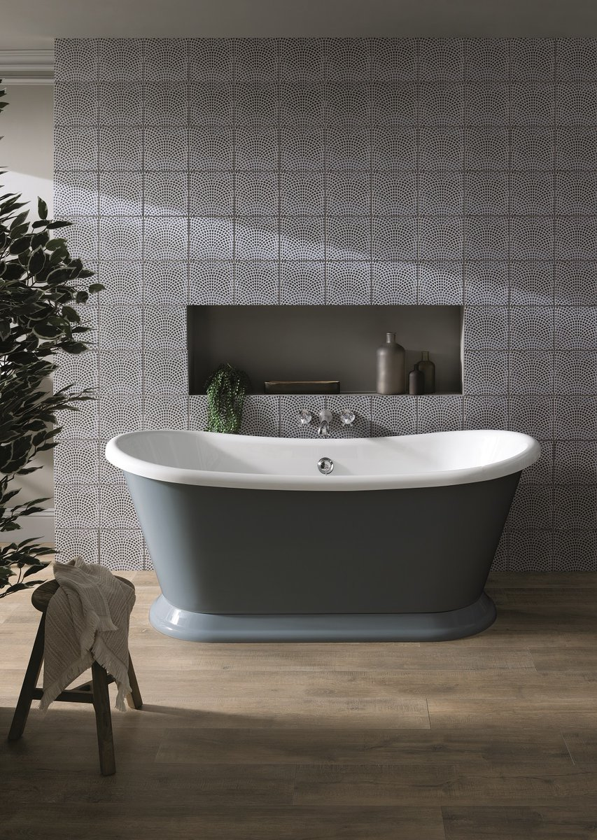 Introducing the new Bayswater Boat Bath - a beautifully classic design with a unique, smooth plinth. 1700mm long and available in Gloss White or handpainted in Stiffkey Blue or Plummett Grey eggshell paint - exclusively from @idealbathrooms from July 2021.