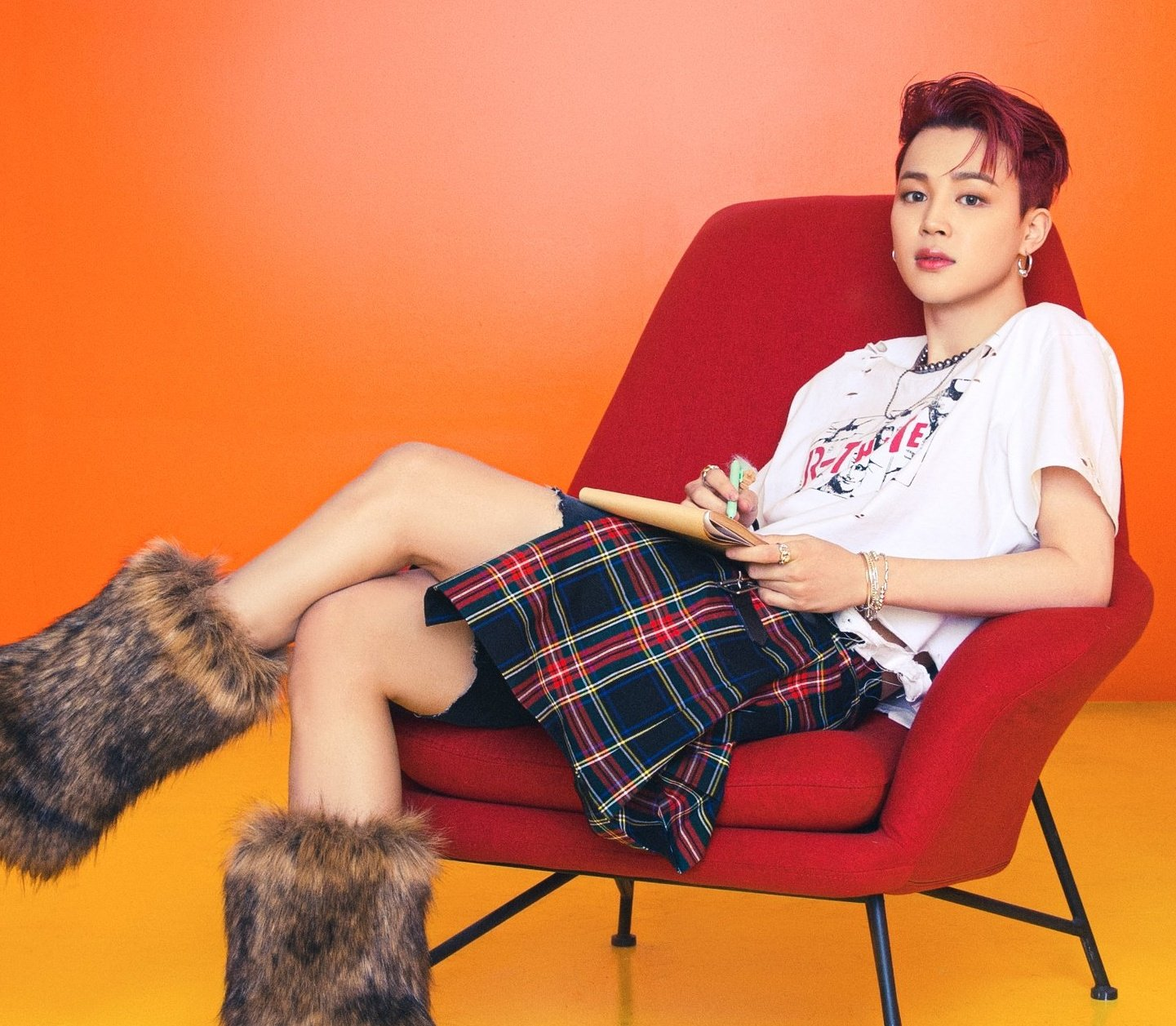"""t⁷ᴾᵀᴰ ♡ BTS on Twitter: """"PARK JIMIN IN A SKIRT, RED HAIR AND FURRY  BOOTS???????????? TRULY KOREA'S IT BOY THING… """""""