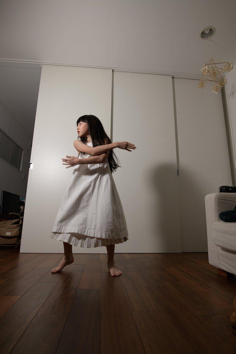 レタッチの技術がすごい!娘をモデルに。異世界にいるみたい