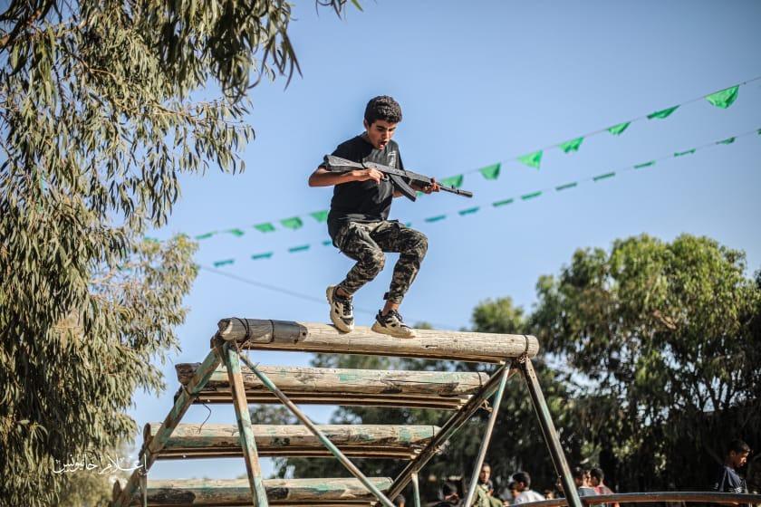 ويلٌ لجيل يتربى على التحريض وينشأ على حب القتل والترهيب هذا هو الجيل الفلسطيني