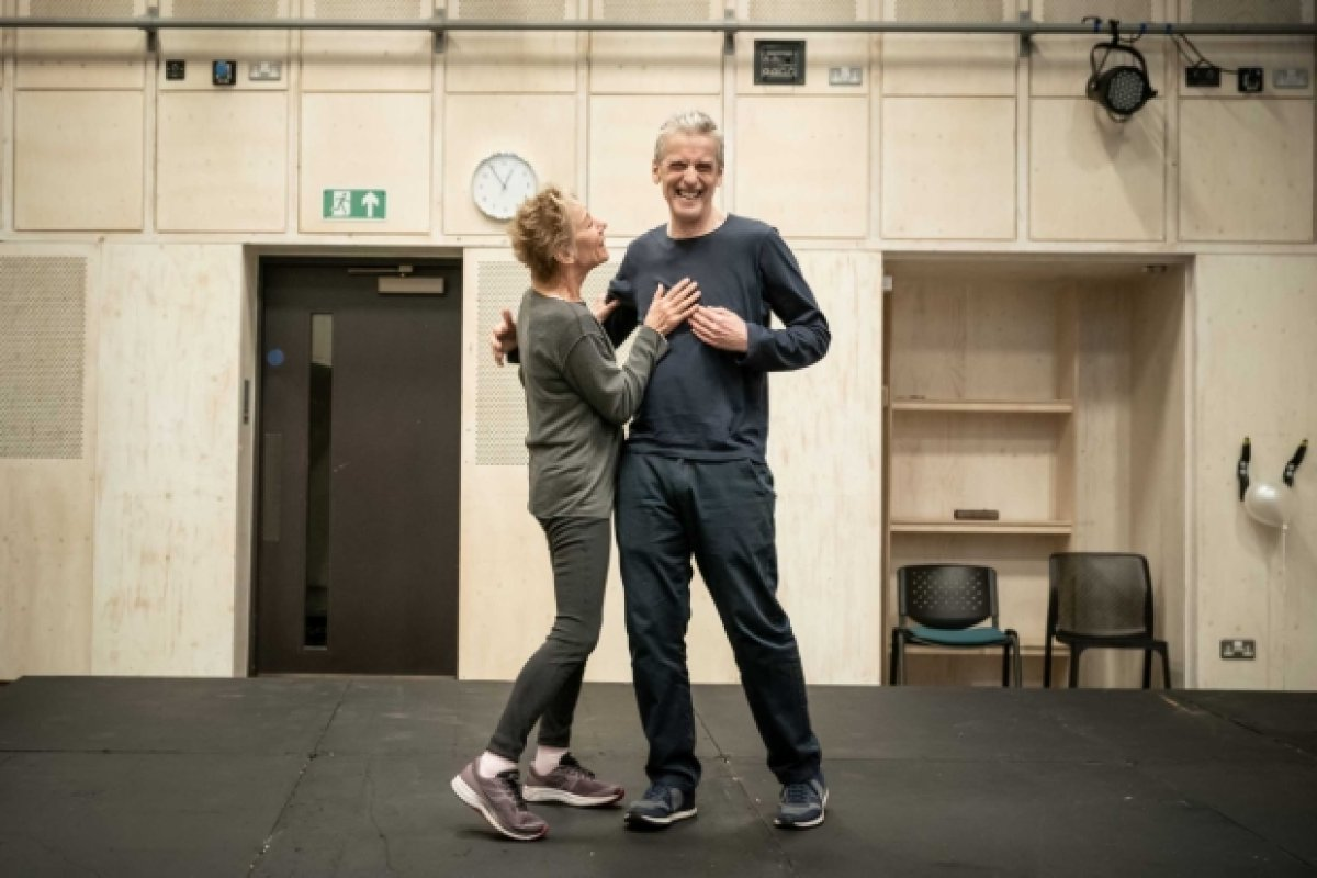 From What's On Stage: #PeterCapaldi (Roland) and @ZoeWanamaker (Marianne) in rehearsals for West End #Constellations. #NickPayne's Play Returns. Photos © Marc Brenner (@brennerphotos). Directed by @mrmrlonghurst. @DonmarWarehouse  https://t.co/BfoNrWp8vR https://t.co/E8YQBpTUP5