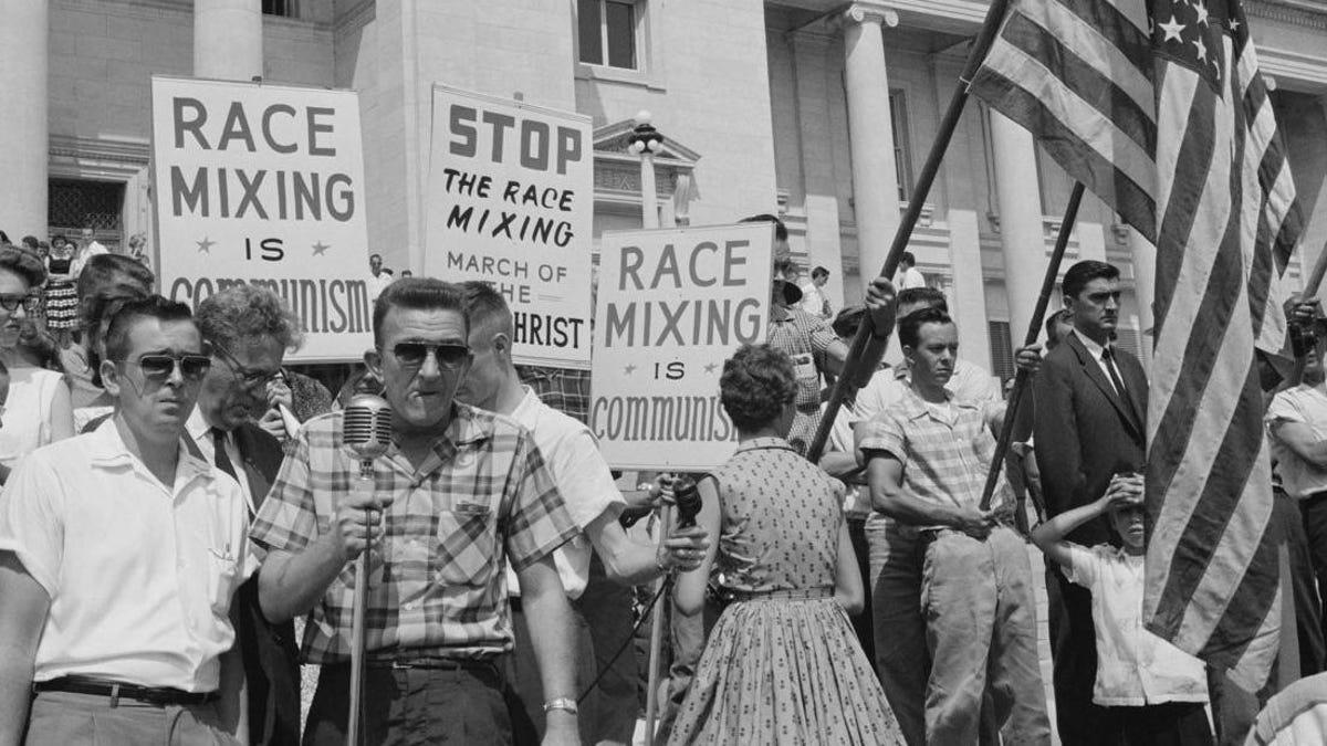 The Complete List of Marxist, Un-American, Anti-White Things (According to White People) https://t.co/kI3yeNeJYc https://t.co/UsCnJsHpim