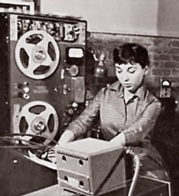Happy birthday Bebe Barron 1925-2008, American composer. She and husband Louis credited with 1st electronic music for magnetic tape & 1st entirely electronic film score. Mixed Emotions https://t.co/xioyZy5GrG #salon #womensstories #womeninmusic #BOTD #womencomposers #musichistory https://t.co/htMfbSTI3w