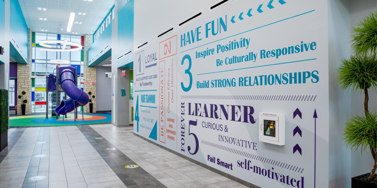 Our Interiors team worked with @KleinISD to create custom graphics for Fox Elementary school in #Texas, contributing to wayfinding, and creating an environment that celebrates #science, #technology, #engineering and #mathematics. #IBIProjects #IBILearning #STEM https://t.co/IrulJTqLRy