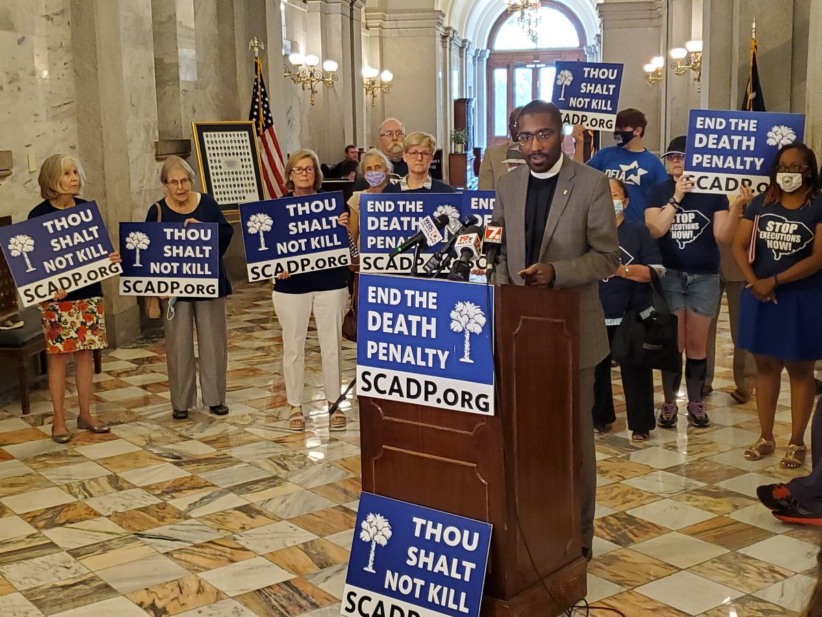 South Carolinians for Alternatives to the #DeathPenalty launched itself today with a press conference at the statehouse, in front of the office of Gov @henrymcmaster. Governor, hear these voices. #StopExecutions #AbolishTheDeathPenalty  Watch at  https://t.co/B8AfrWe885 https://t.co/EhaL8vcoEo