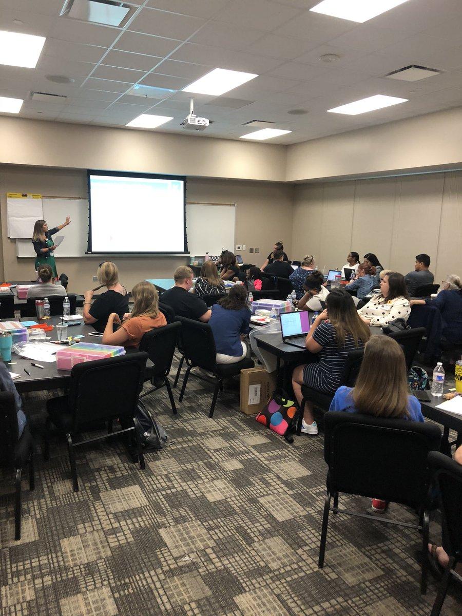 Connect 4 Success PD! 🎯Diving into #UniqueLearningSystem with our fabulous Developmental teachers!👩🏫👨🏫 #Kleinfamily @ashultz @alissa_kutac @AmandaPastarno @cadproctor @kirstenallman #KISDTeamSpEdP2P https://t.co/SiS2Z8ZPL7