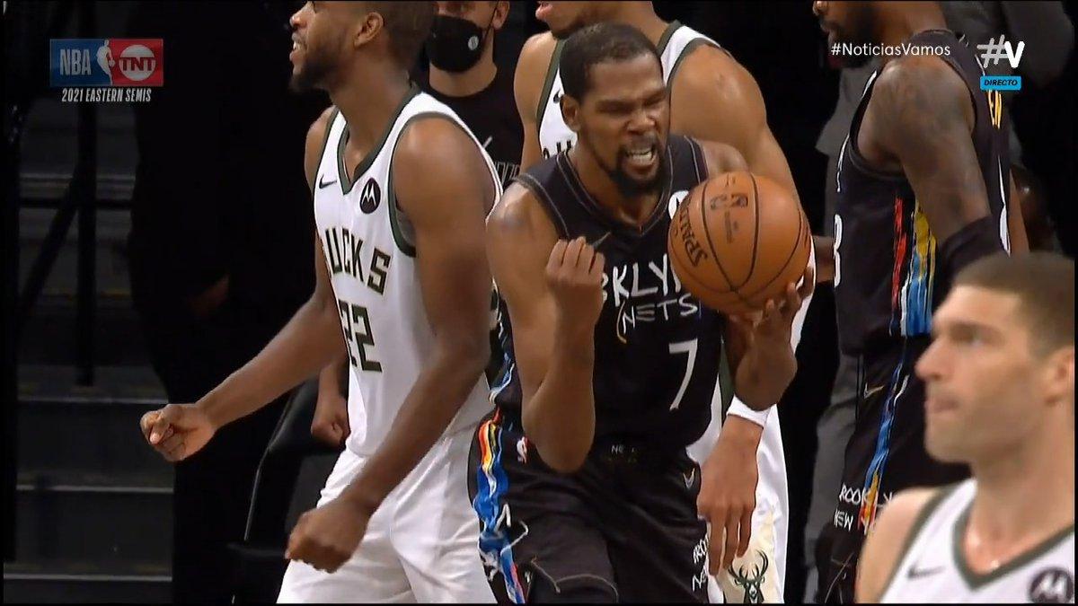 A los pies de Durant.