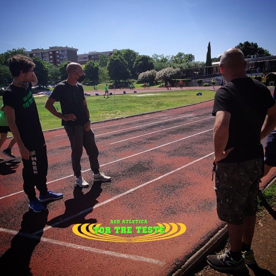 Cosa staranno #aspettando i nostri tecnici?   #lazio #roma #atletica #atleticatortreteste #finestagione #finegiochi #bastacosì #ricaricare #studiare #nuovetecniche #fit #fitness #sport #active #estate #ferie #ultimigiorni https://t.co/awiC13iAI3