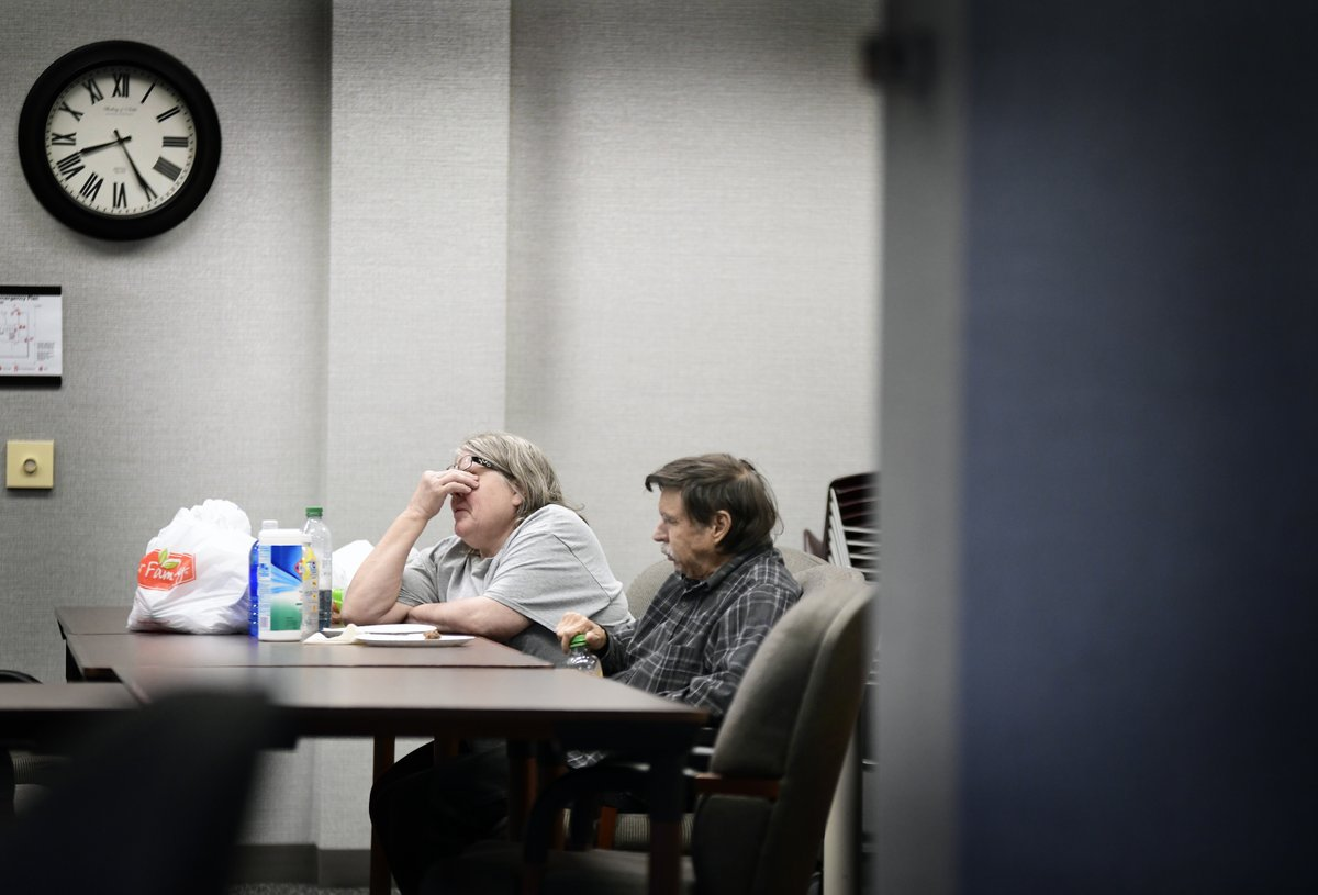 The Bismarck Senior Center helps the elderly and older workers struggling with hunger and #foodinsecurity. My second of four in series documenting food insecurity in #Bismarck, #Mandan and #NorthDakota. https://t.co/C2bZEbsuQ3 https://t.co/40PpMaTEAz