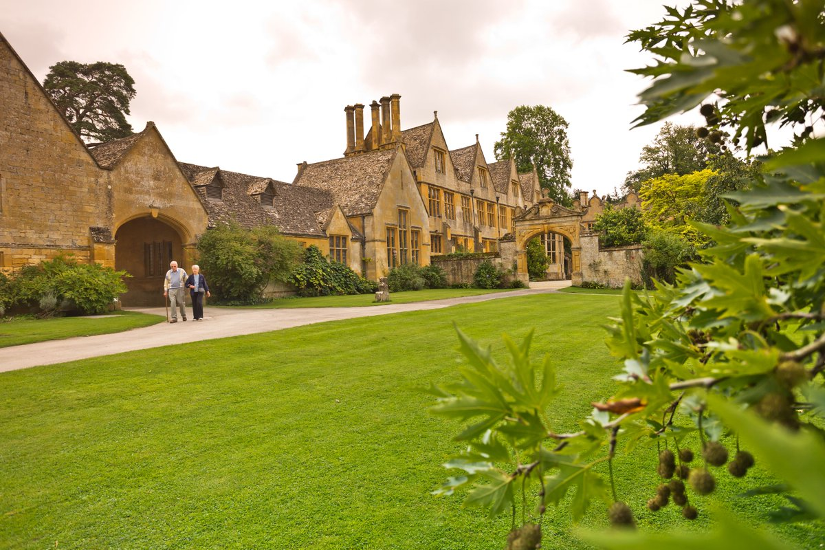 Nestled in England's Cotswolds district is one of Rick's favorite noble manor houses: Stanway House, home of the Earl of Wemyss, who built England's tallest fountain. Join us on Monday Night Travel, June 21st, and meet some of Europe's other fine artisans. https://t.co/icp43pi32O https://t.co/zvd3GCT2n0