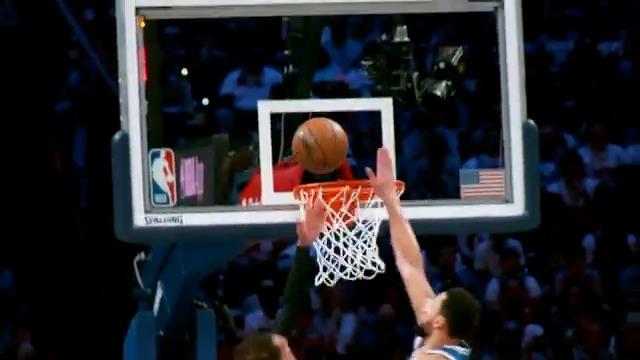 BIG BEN BLOCK in #PhantomCam!   @ATLHawks 94 @sixers 104  4:17 left on TNT. #NBAPlayoffs https://t.co/UtN2zlvYr2