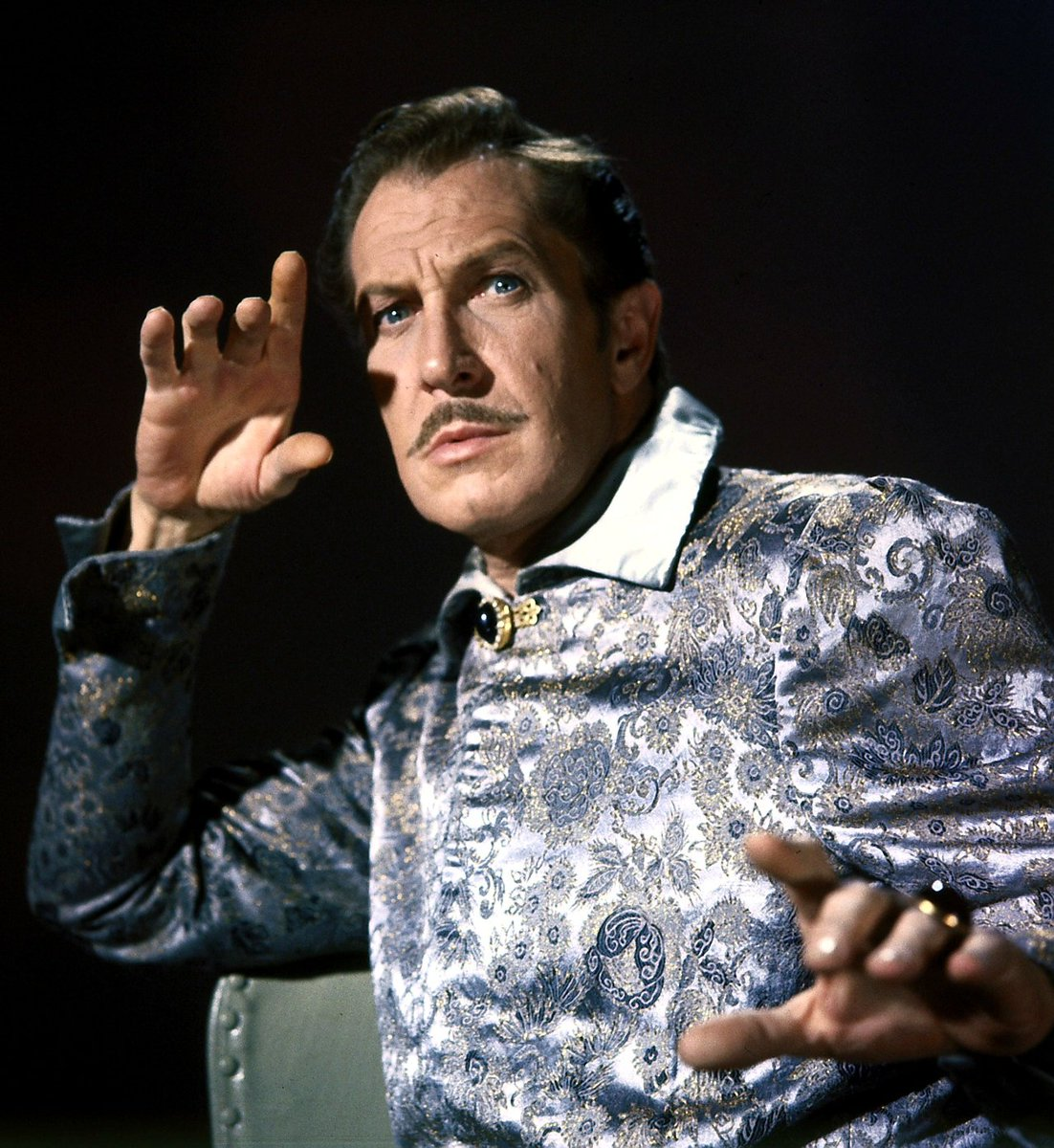 Vincent Price always casts his spell with grace under pressure. The Raven - inspiration for #DoctorStrange 🤟👁🤘