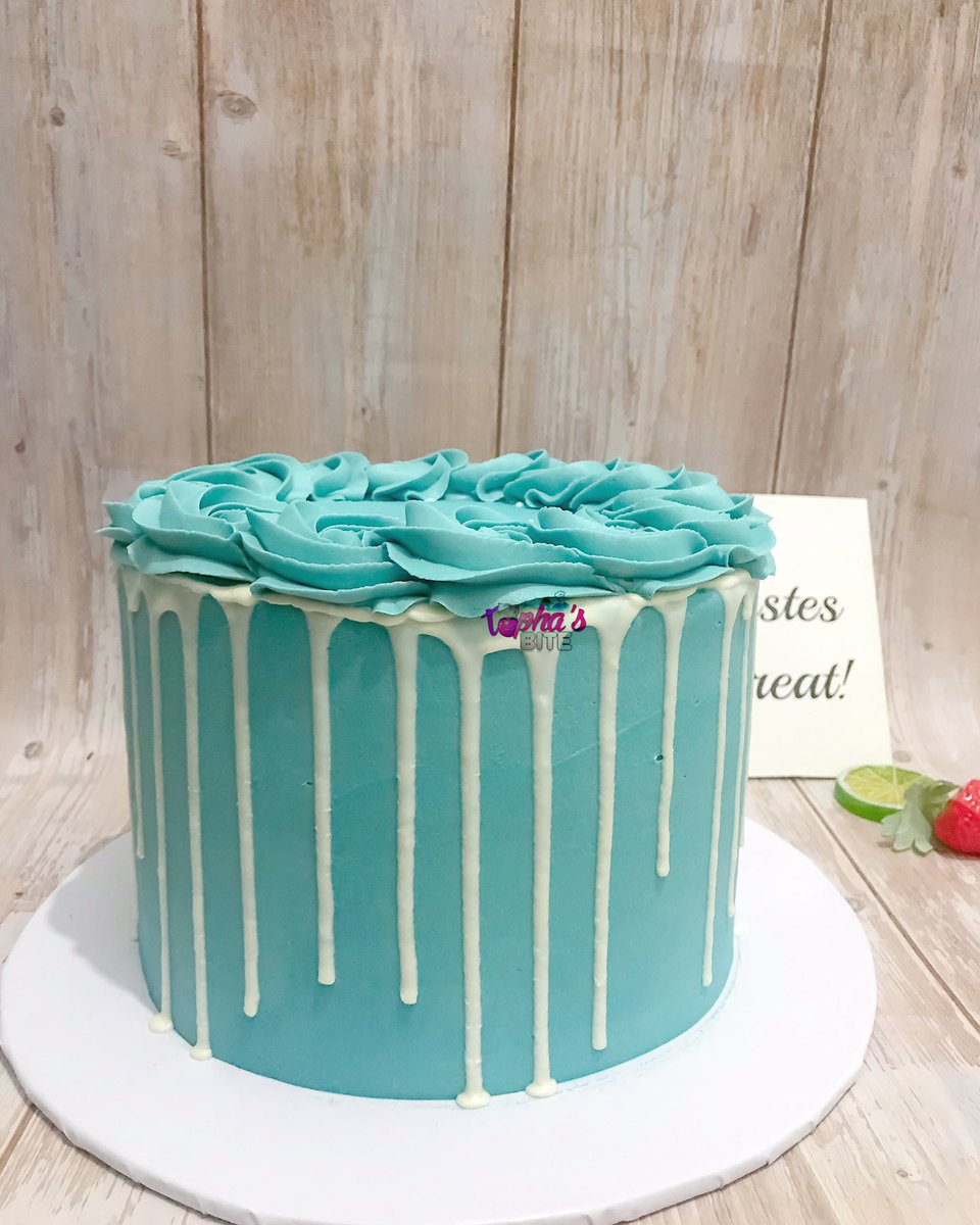 Kindly choose is as your cake plug We will always come theough Fave ibadan cake girl https://t.co/Yi88Q6gR3b
