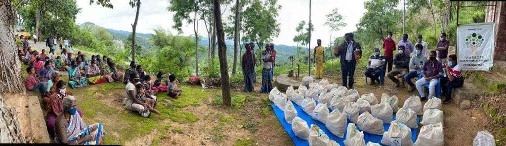 Karyakartas of ABVP South Tamil Nadu distributed relief material such as ration and other essentials to the tribal people in the Kodaikanal hills.   #ABVPForSociety https://t.co/yhS9HkcKxw