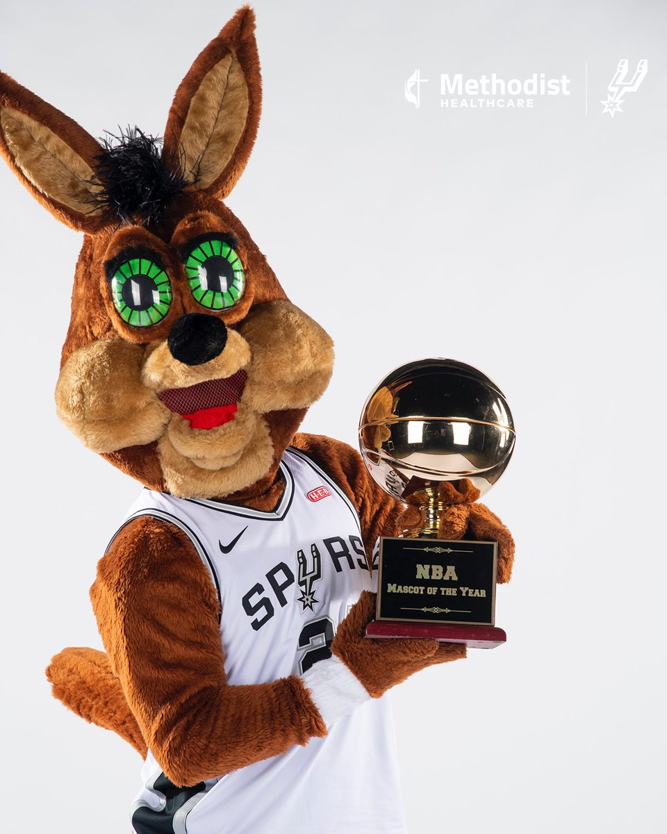 RT to wish @SpursCoyote a happy #NationalMascotDay! 👏🤍 https://t.co/WDhKB7PdHp