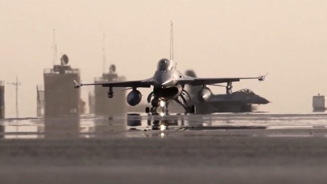 Twee F16 's vlogen even voor twee uur in rap tempo over het Westland heen. (Foto Defensie) https://t.co/2UC9zQXU0m