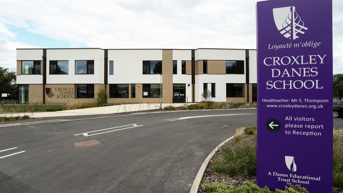 @croxleydanes wish to recruit two Lettings Supervisors to take responsibility for the security, safety and maintenance of the school premises and site out of school hours. For further details and an application form see the link below. Closing date 25/6/21 https://t.co/L9zgsOvq4P https://t.co/4dMkvNK3us