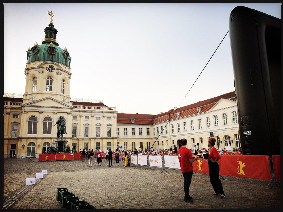 Bei der Sommer @Berlinale bekommt Panorama nochmal eine ganz neue Bedeutung! 🤩  #Berlinale | #BerlinaleSummerSpecial | #FabianOderDerGangVorDieHunde https://t.co/mlYpMYsyMQ
