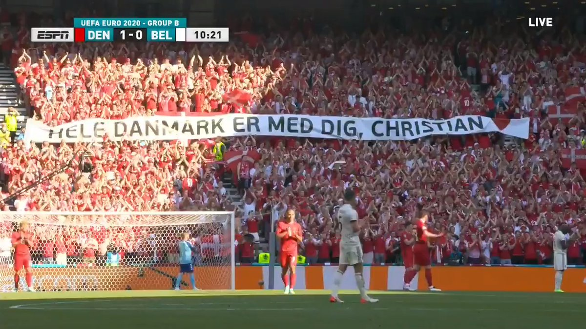 Stunning: In Denmark's first game since Christian Eriksen's collapse, play stops in 10th minute to honor his number, and both teams pay respect to the absent player with round of applause. Sports at its purest, most uplifting best 🇩🇰🙌 https://t.co/OfZyQwdiHB