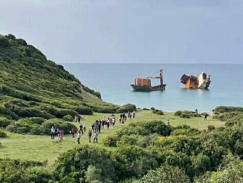Sophia, the boat stranded on the beach of Guerbaz, Skikda  #Algerie #Algeria #beach #boat #sea  #summer https://t.co/LeXhBuFCa7