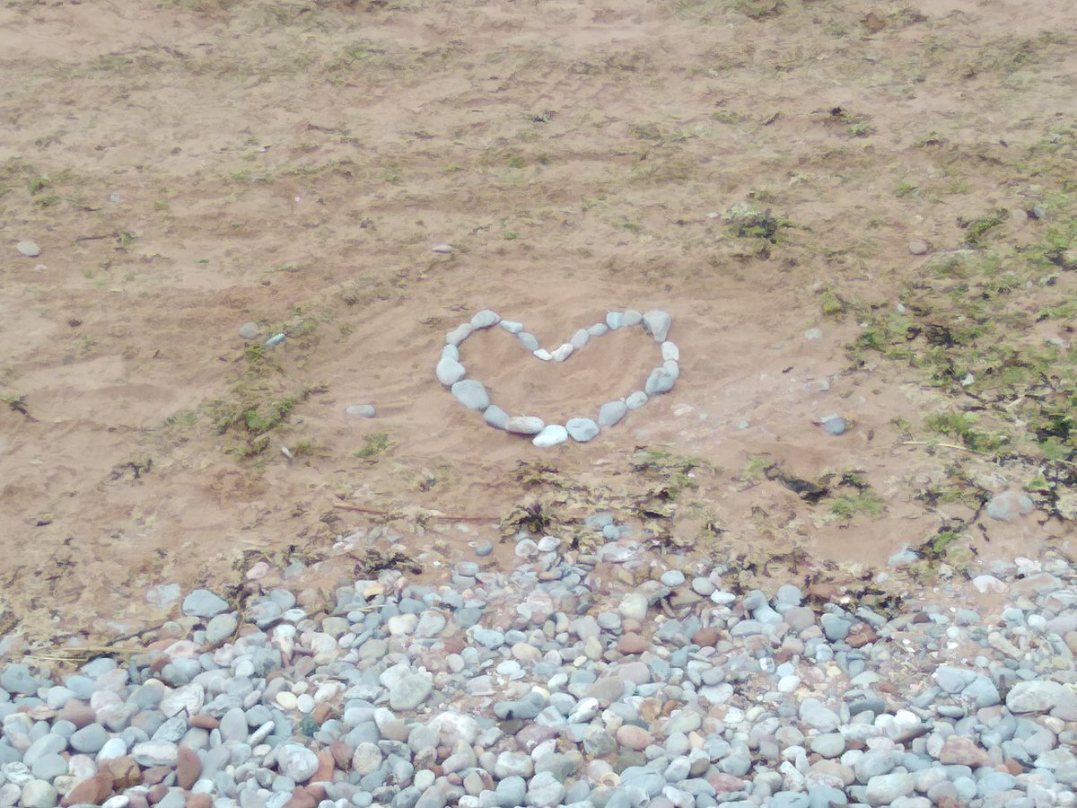 Broadsands Beach 🏖 last night. I love the heart made of rocks that was left there. A wonderful reminder to us all that love is the answer. ❤️  #beach #ocean #seaside #water #watersports #rocks #love #heart #memories #photography #photographer #summer https://t.co/NkJoa87qN9