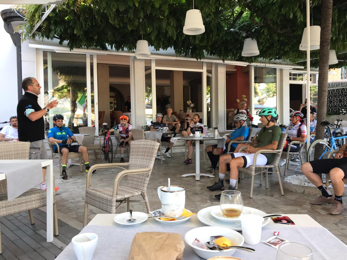 Breakfast briefing for a day in the hills... #cycling #ridelots #ciclismo #coachingworks #Italy https://t.co/Ydy5uYUttL