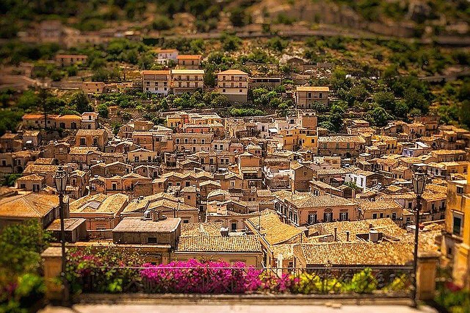 Le viste di Modica, quelle che allargano il cuore… #Sicilia #Sicily #Italia #Italy #startup #17giugno2001 #tuesdayvibe https://t.co/nUIF2gLw7G