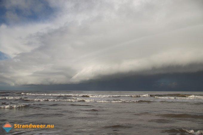 Delfland verwacht komende dagen veel neerslag https://t.co/LxaKptmLuL https://t.co/JWCGsFhNWE