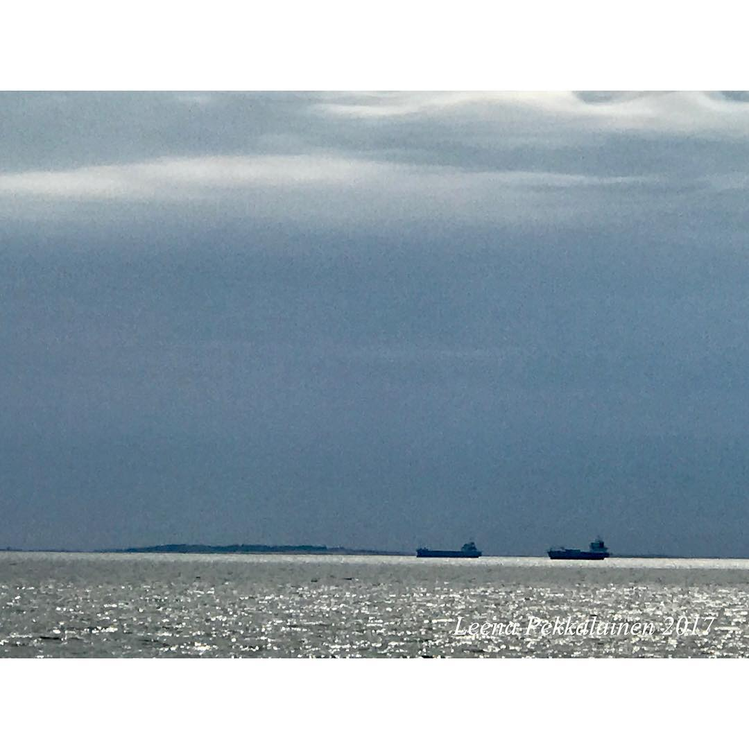 #ships #sea #horizon Instagram post by Leena Maria https://t.co/B6pufpHVM0 https://t.co/K45hRJJ1zD