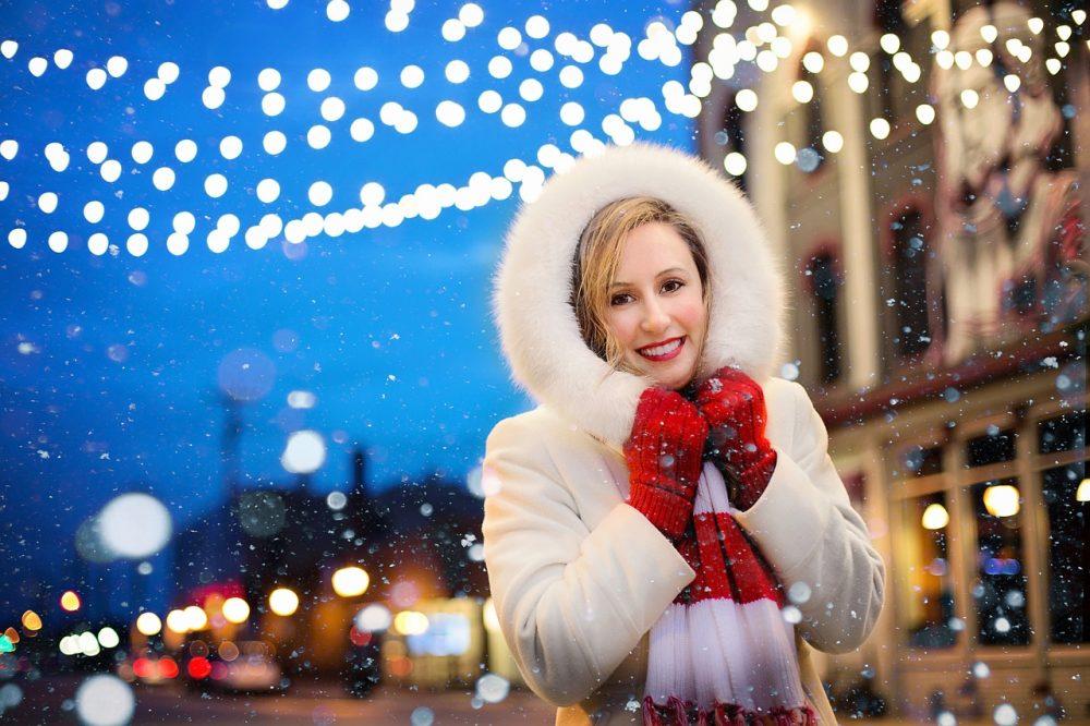 Who likes it? WOW https://t.co/4BOUJShk0t #EasySmartDecor #HomeDecor #LedLights #Storages #SmartHome #christmas #woman #lights https://t.co/sNbfuX8lzA