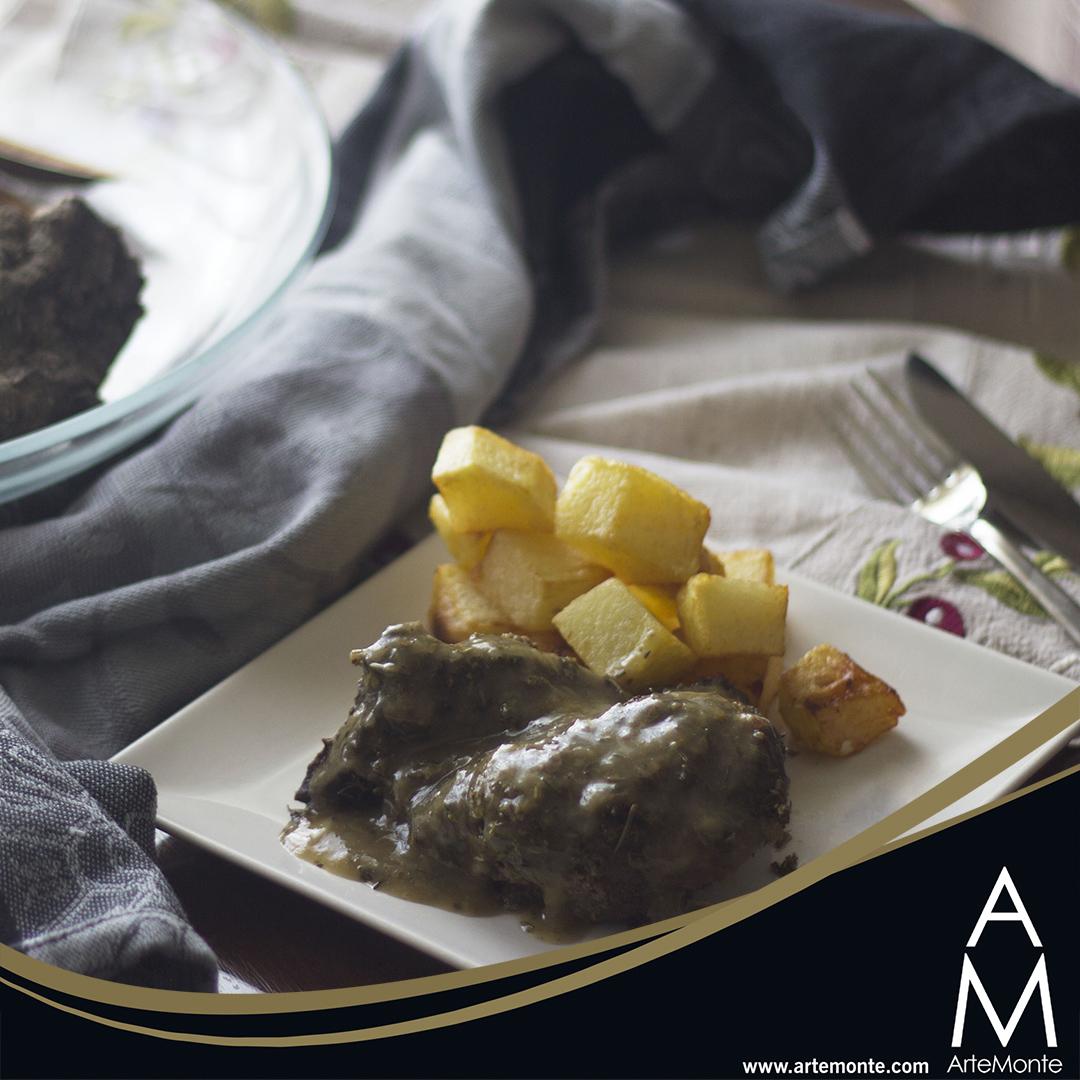 Paleta de ciervo al horno 😲😋 📶 Nivel: fácil 🕐 Tiempo: +90 minutos  👉 Receta completa en el blog 👈 https://t.co/nLOSuHZfga - - - #recetas #dieta #paleo #comidaorganica #comida #organico #foodie #instafood #realfood #realfooding #comidasana #rural #alimentacion #vidasana https://t.co/lbwUUgUtJs