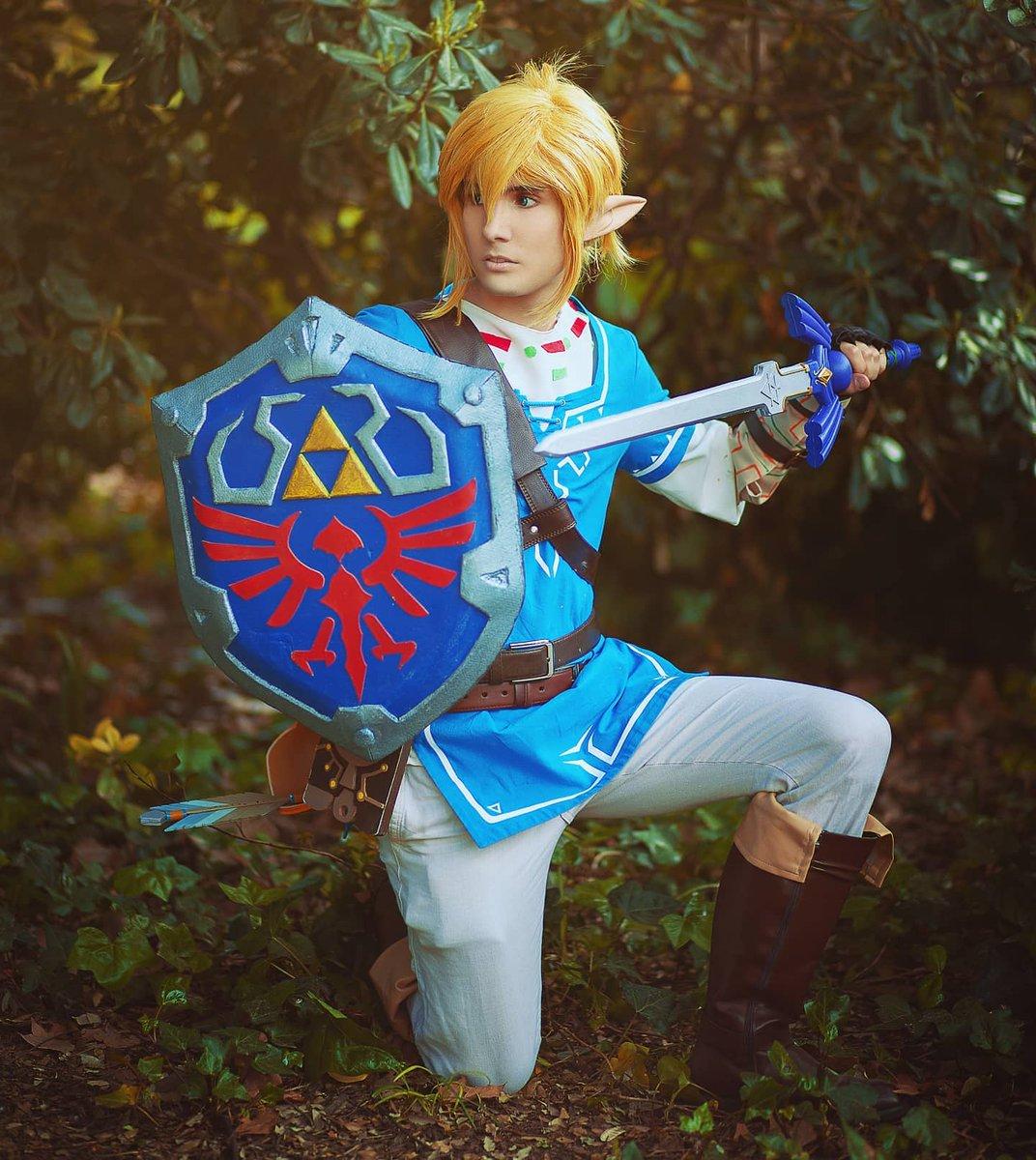 """""""Have the courage to seek the wisdom that will grant you power"""" . Habéis jugado a algún Zelda? Cuál es vuestro favorito? Foto de 📸@irenekuroi  . . . #link #cosplay #cosplayer #zelda #zeldabreathofthewild #breathofthewild #nintendo #linkcosplay #linkcosplayer #cosplayer https://t.co/TsCh8fO4qF"""