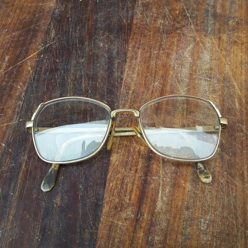 Vintage FRENCH BOURGEOIS EYEGLASSES with aviator style boho frames   Etsy https://t.co/xcPWPntODK  #PumpjackPiddlewick #vintageshop #vintagelook #vintagestyle #costumeprop #reenactment #cosplay #vintagefashion #eyeglasses #vintageeyeglasses #boho #bohochic #bohostyle #hipster https://t.co/AaSDCgnaYs