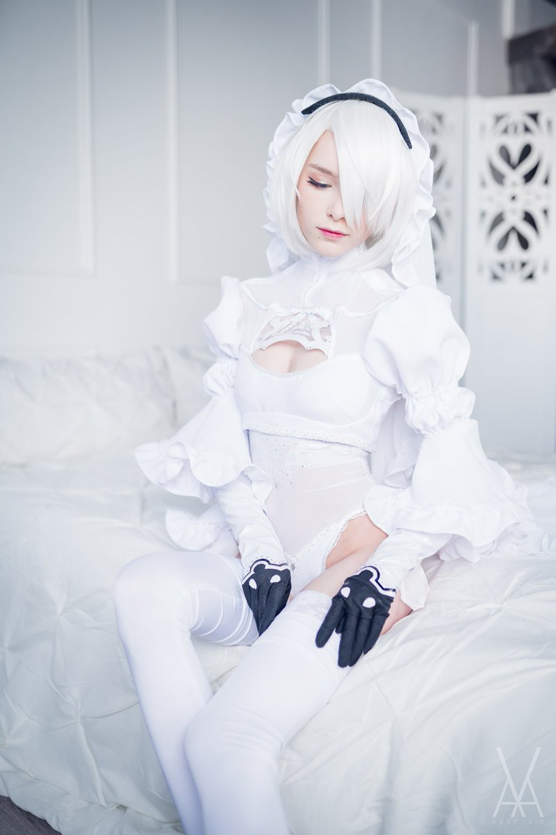 """""""You know nothing about humanity""""  Cosplay: 2B Bride (@NieRGame), based on design by @SakimichanA Cosplayer: @TVYukiCos Location: oh3_studios.de (Insta) Photo / Edit: Me  #2B #2bcosplay #2bbride #bride #nierautomata #NierAutomatacosplay #squareenix #platinumgames #cosplay https://t.co/6vXdIJy0PX"""