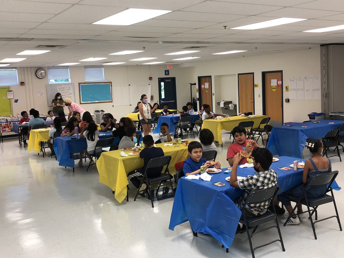 5th grade had an amazing promotion celebration! Thank you <a target='_blank' href='http://twitter.com/HFBPrincipal'>@HFBPrincipal</a> and <a target='_blank' href='http://twitter.com/CatherineHanAPS'>@CatherineHanAPS</a> for organizing it! <a target='_blank' href='http://search.twitter.com/search?q=hfbtweets'><a target='_blank' href='https://twitter.com/hashtag/hfbtweets?src=hash'>#hfbtweets</a></a> <a target='_blank' href='http://twitter.com/APSVirginia'>@APSVirginia</a> <a target='_blank' href='https://t.co/hW8gEzke9y'>https://t.co/hW8gEzke9y</a>